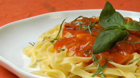 Fetuccini salsa napolitana